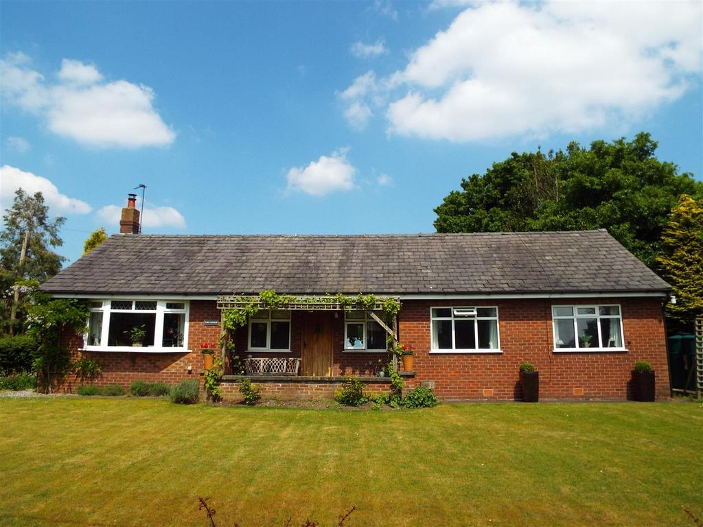 3 Bedrooms Detached Bungalow for sale in The Chimes, Dicklow Cob