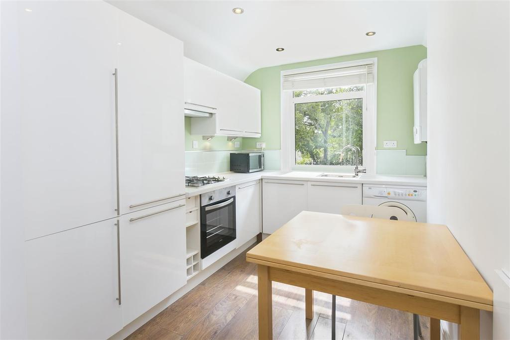 2 Bedrooms Flat for sale in Westwell Road, Streatham, SW16
