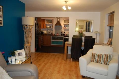 2 bedroom apartment to rent - St Christophers Court, Marina, Swansea. SA1 1UA