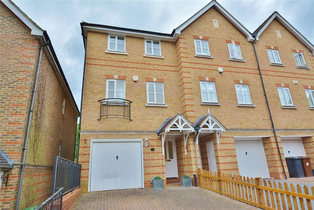 3 Bedrooms End Of Terrace House for sale in Montague Hall Place, Bushey, Hertfordshire, WD23