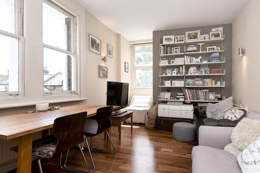 1 Bedroom Flat for sale in Ashbury Road, Battersea, SW11