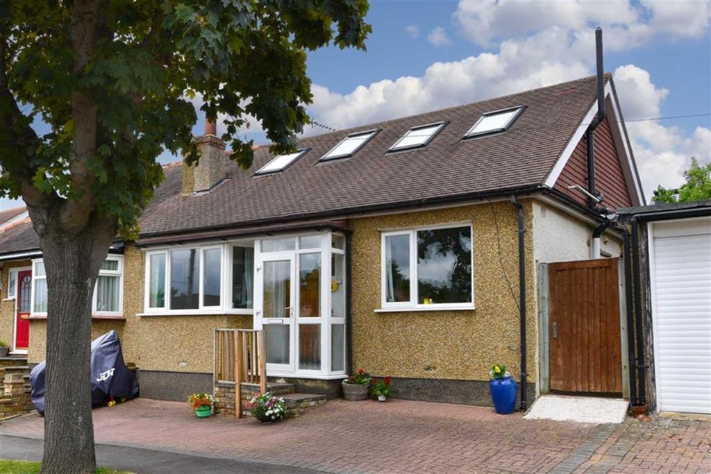 4 Bedrooms Semi Detached Bungalow for sale in Donnington Road, Worcester Park, Surrey