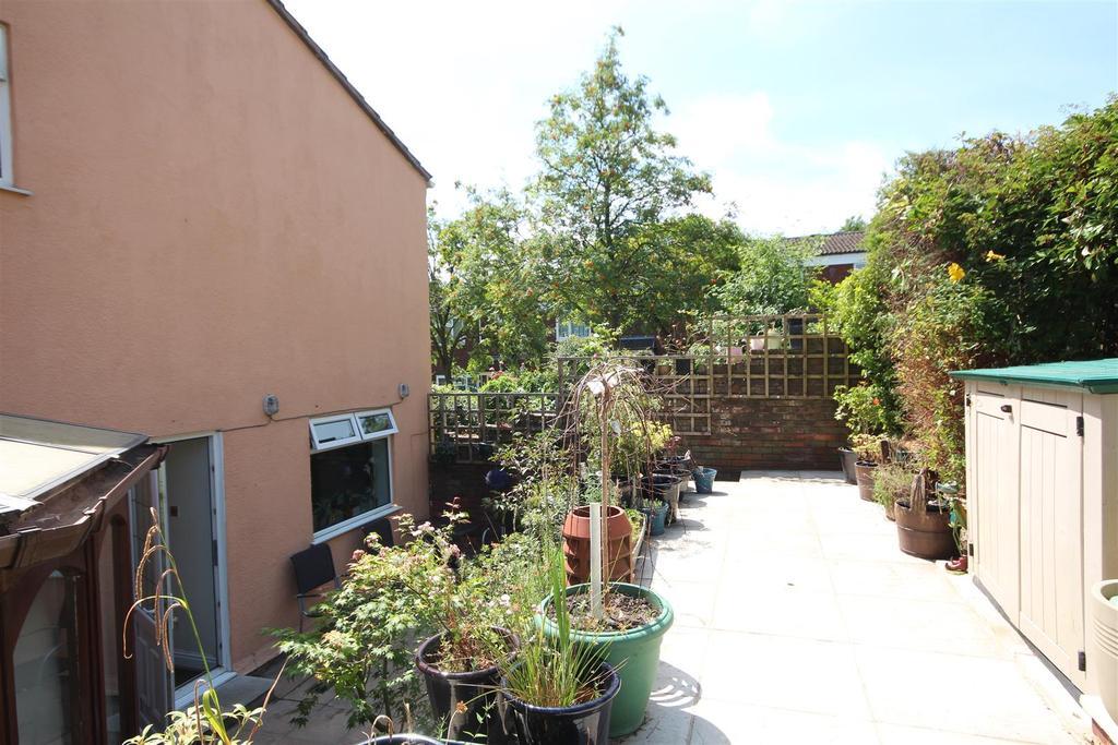 Carden avenue brighton 3 bed end of terrace house for 14 m4s garden terrace