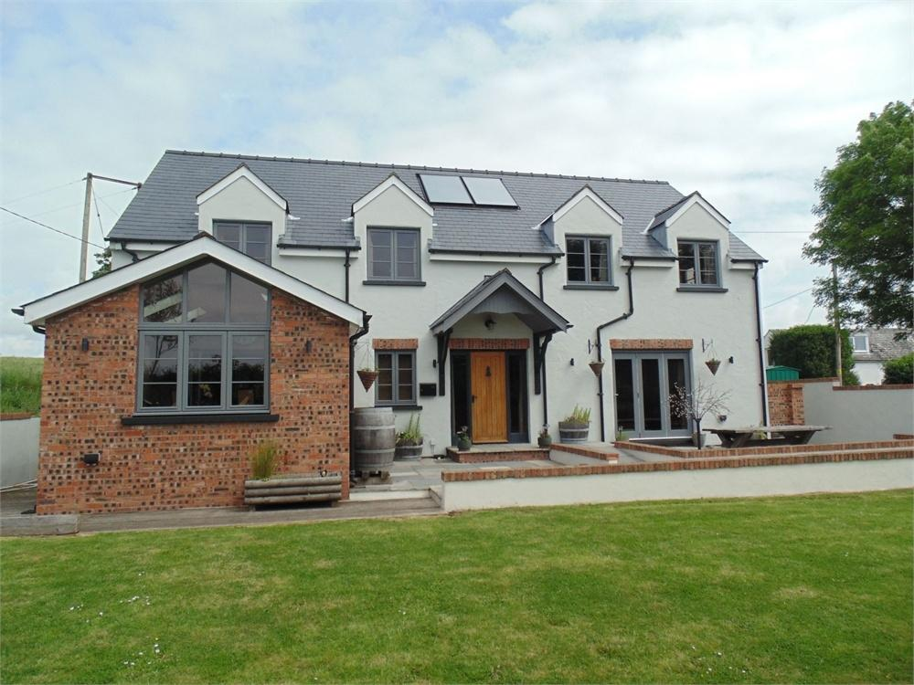 4 Bedrooms Detached House for sale in Kanto, Little Honeyborough, Milford Haven, Pembrokeshire