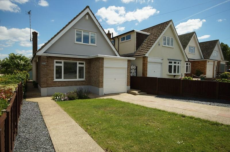 4 Bedrooms Detached House for sale in The Fairway, Leigh-On-Sea