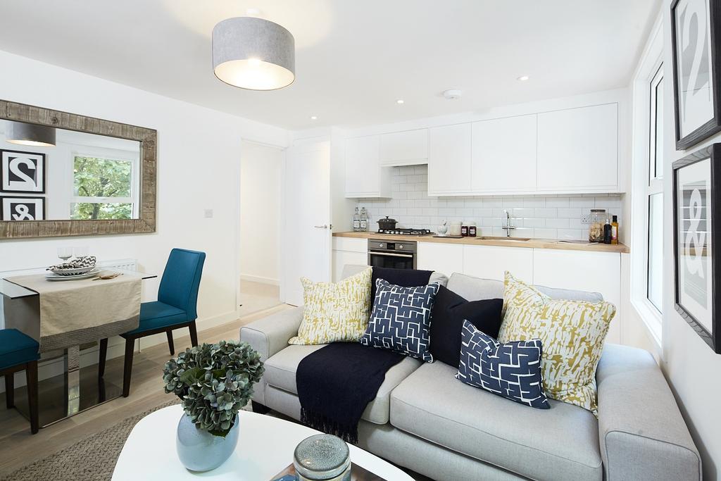 1 Bedroom Flat for sale in New Cross Road London SE14