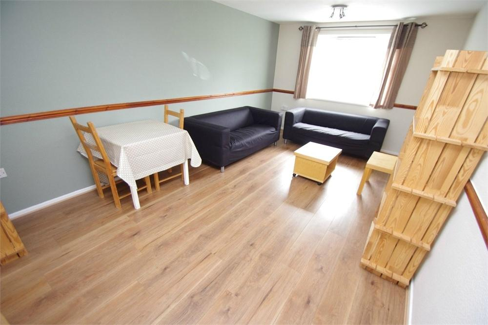 1 Bedroom Flat for sale in Gullet Wood Road, WATFORD, Hertfordshire