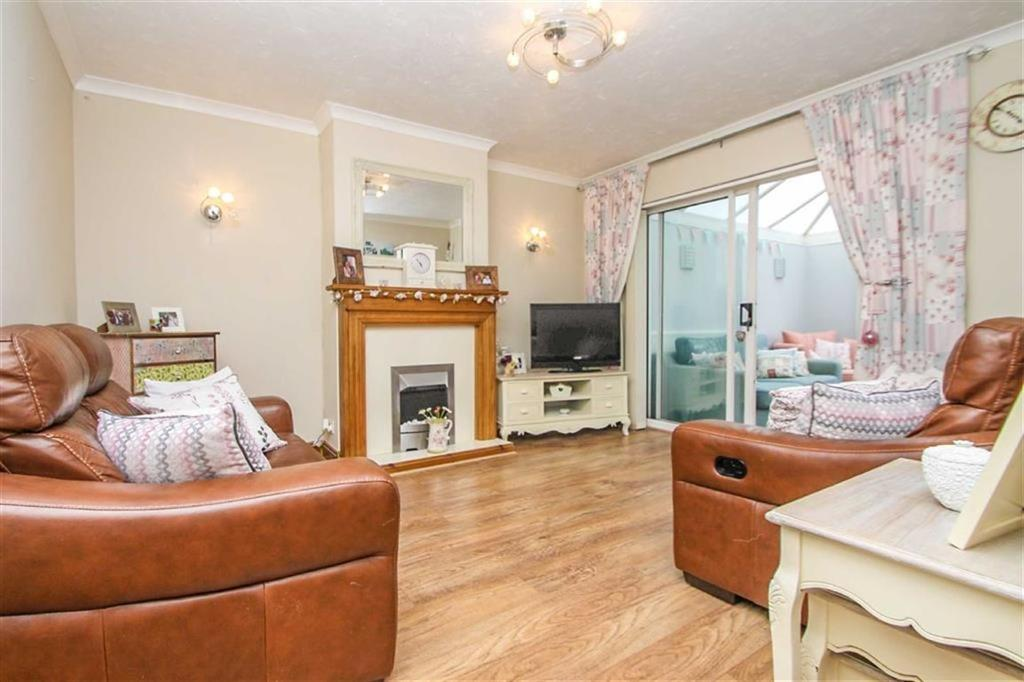 3 Bedrooms Semi Detached House for sale in Melbourne Road, Clacton-on-Sea