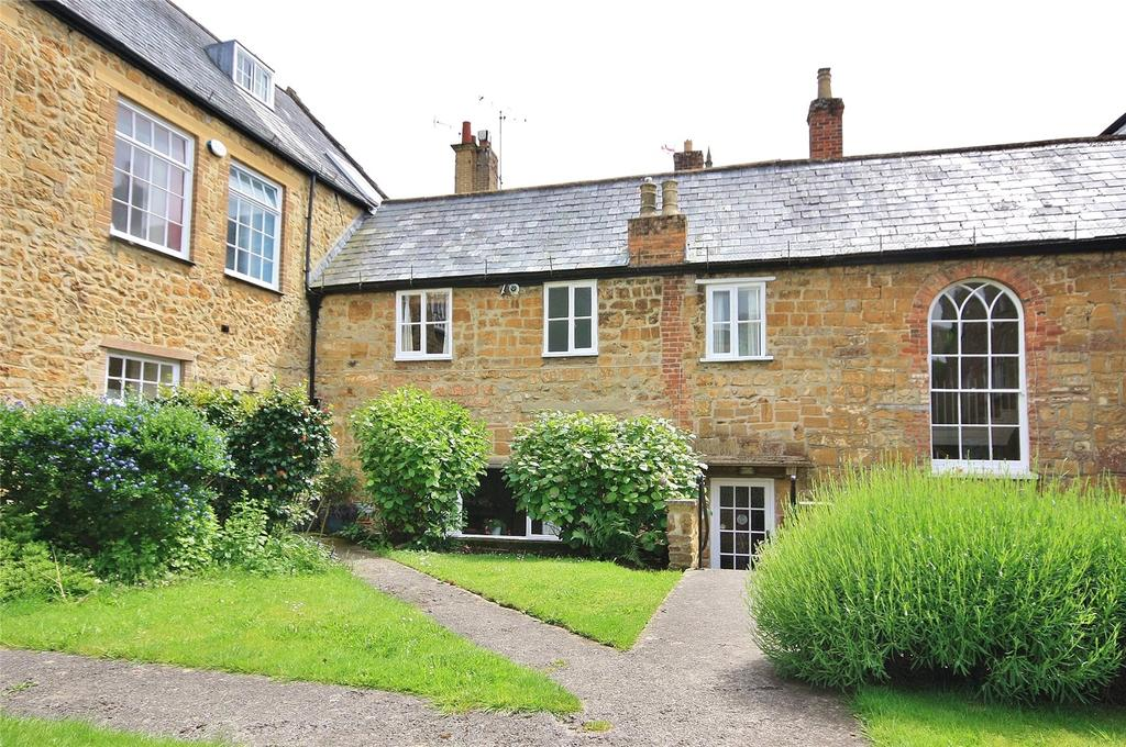 2 Bedrooms House for sale in Court Barton, Ilminster, Somerset, TA19
