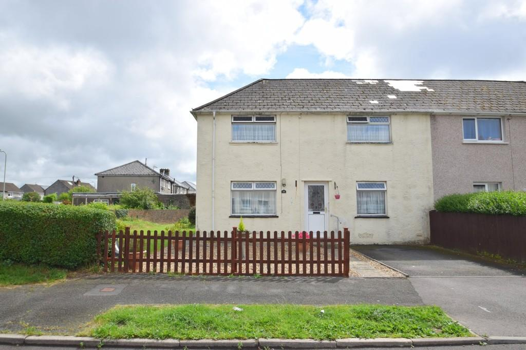 3 Bedrooms Semi Detached House for sale in 63 Pendre, Litchard, Bridgend, Bridgend County Borough, CF31 1PE.