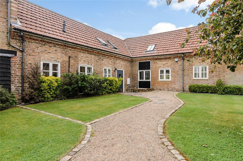 4 Bedrooms Barn Conversion Character Property for sale in St Huberts Lane, Gerrards Cross, Buckinghamshire