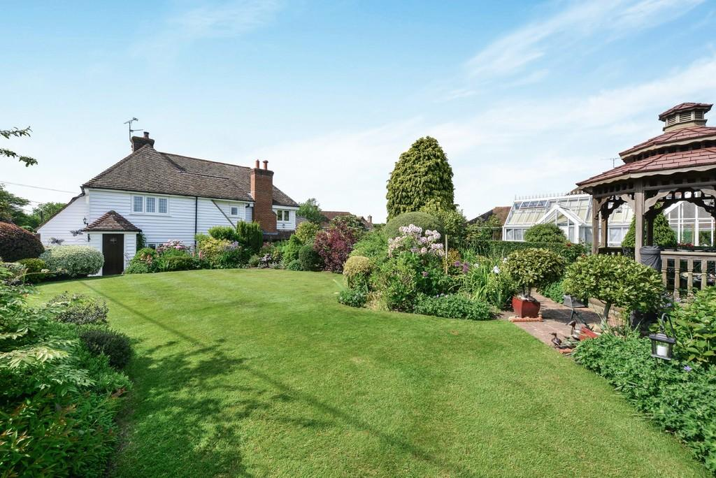 4 Bedrooms Detached House for sale in Chitcombe Road, Broad Oak, Nr Rye, East Sussex TN31 6EU