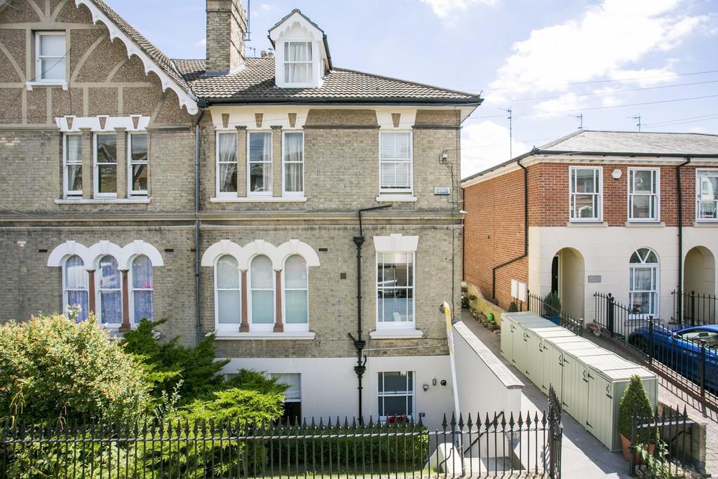 2 Bedrooms Apartment Flat for sale in Woodbury Park Road, Tunbridge Wells