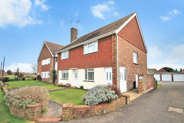 2 Bedrooms Flat for sale in Sea Lane, Ferring, West Sussex, BN12 5EY