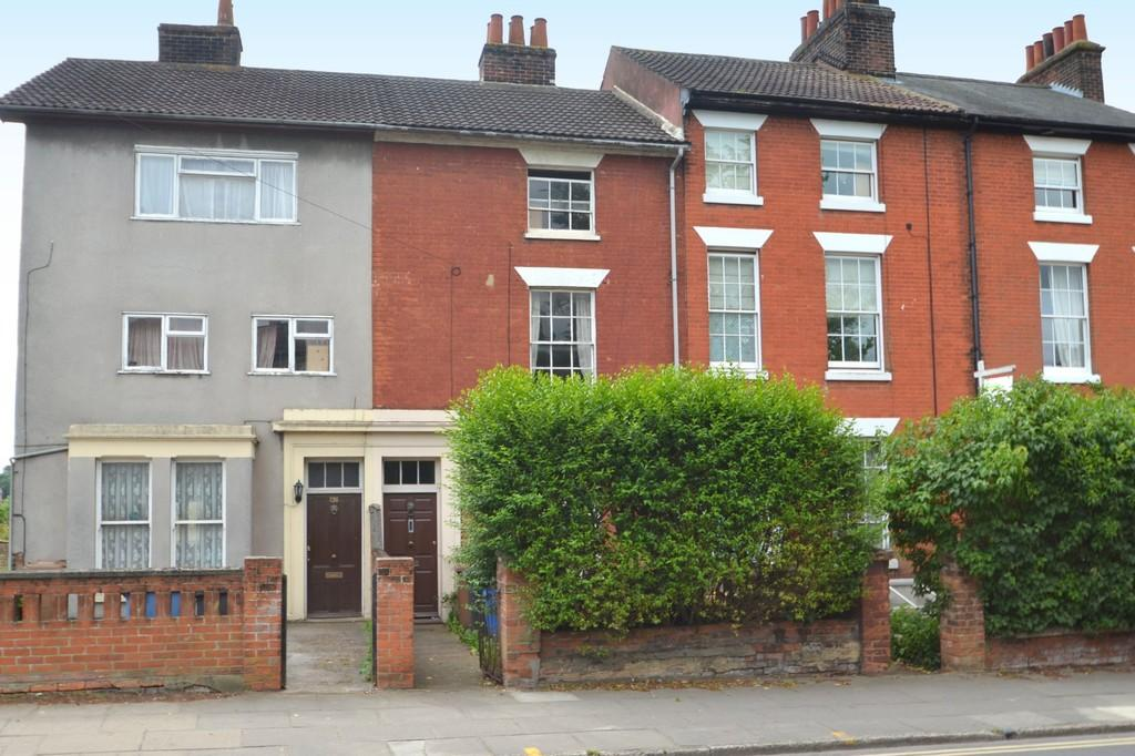 4 Bedrooms Terraced House for sale in Woodbridge Road, Ipswich, Suffolk