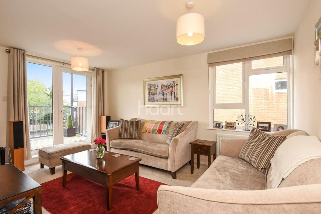 2 Bedrooms Flat for sale in Limerick Close, Balham