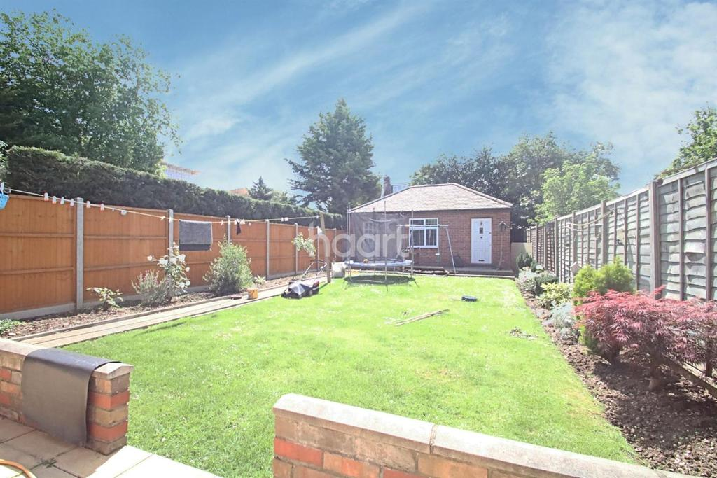 3 Bedrooms Semi Detached House for sale in Ruislip Road East, Hanwell