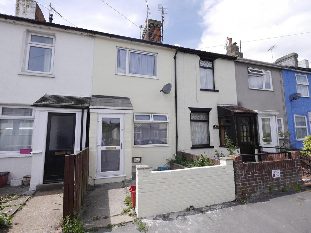 3 Bedrooms Terraced House for sale in Manor Road, Dovercourt