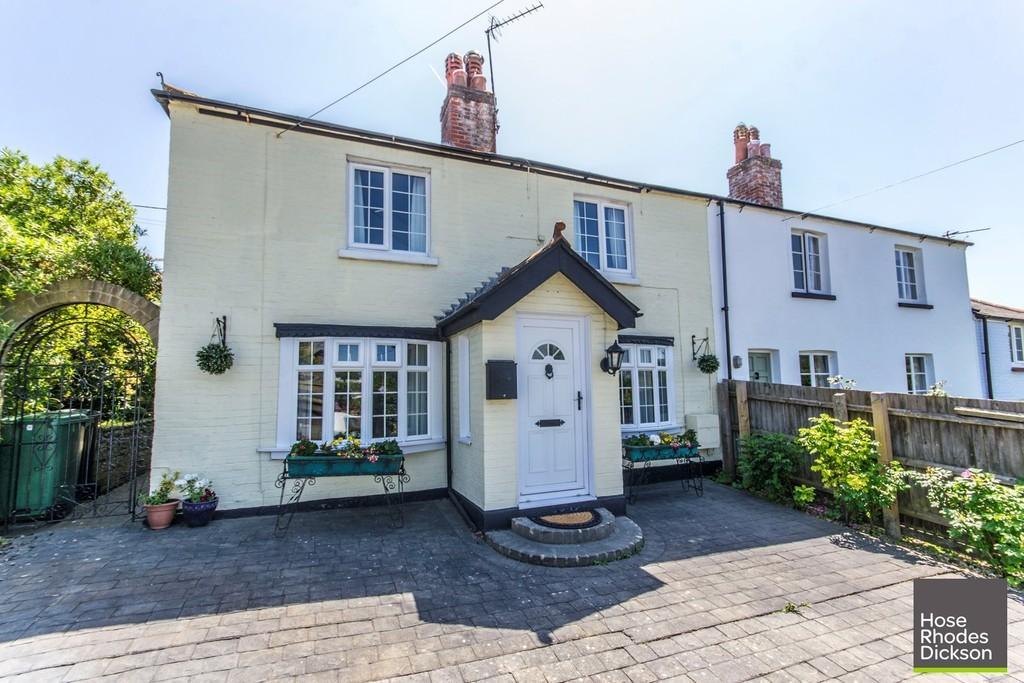 2 Bedrooms Cottage House for sale in Hillway Road, Bembridge
