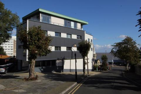 3 bedroom apartment for sale - Balmoral Quays, Penarth