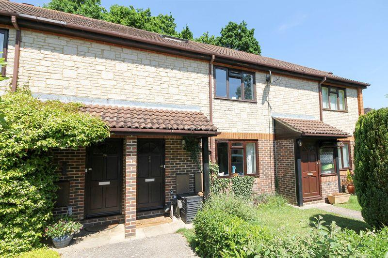 3 Bedrooms Terraced House for sale in Nightingale Close, Rowlands Castle