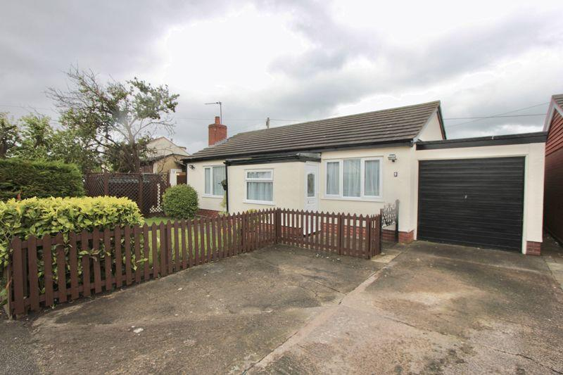 2 Bedrooms Detached Bungalow for sale in Didsbury Avenue, Holywell