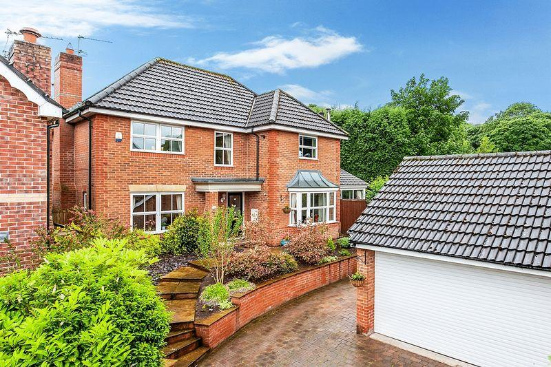 4 Bedrooms Detached House for sale in Pavilion Way, Congleton