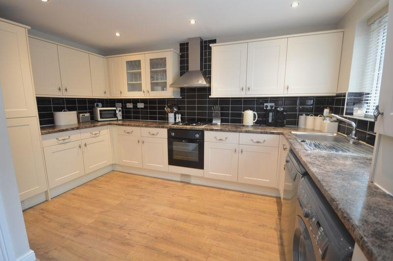3 Bedrooms Detached House for sale in Arran Hill, Thrybergh, Rotherham