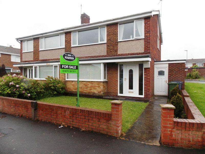 3 Bedrooms Semi Detached House for sale in Devonworth Place, Blyth