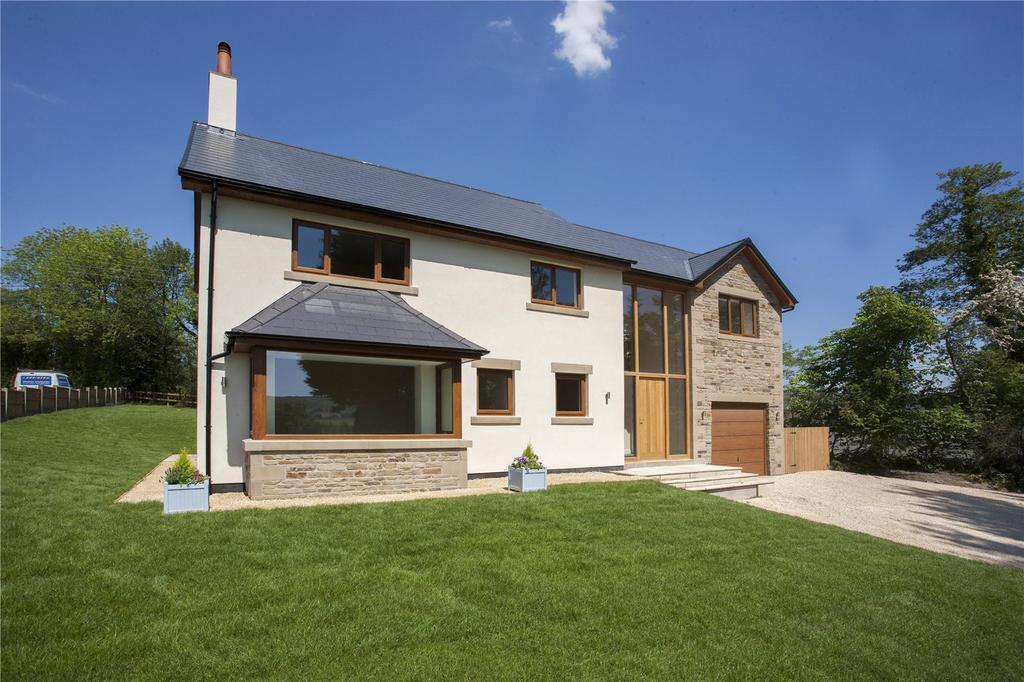 4 Bedrooms Detached House for sale in Garstang Road, Chipping, Preston, PR3