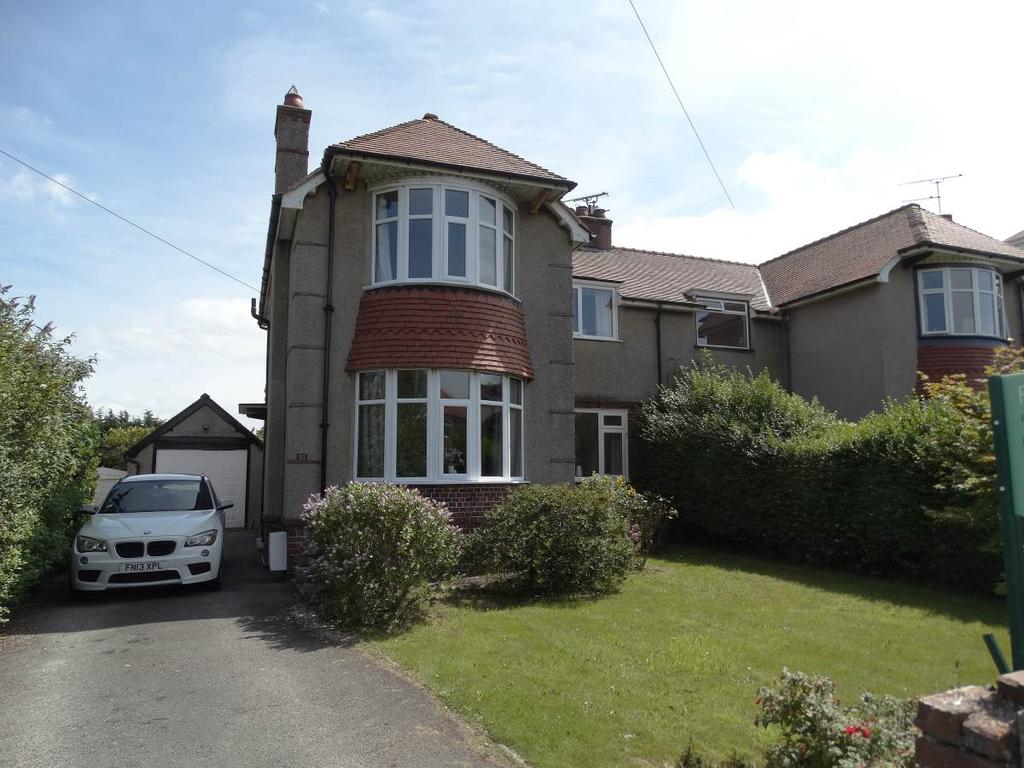 3 Bedrooms Semi Detached House for sale in 51 Church Road, Rhos on Sea, LL28 4YS