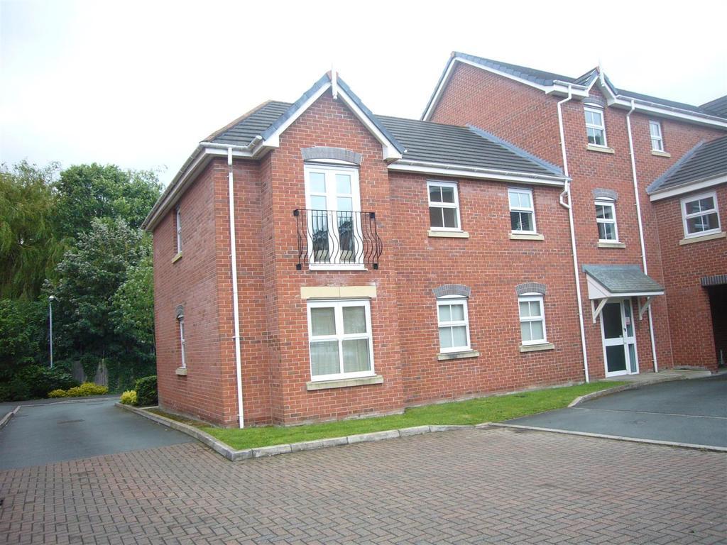 2 Bedrooms Apartment Flat for sale in Bridgewater Close, Frodsham
