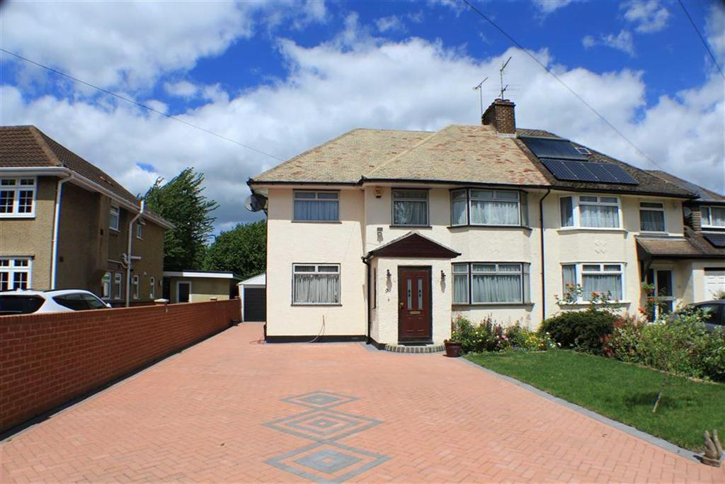 4 Bedrooms Semi Detached House for sale in Sleapcross Gardens, St Albans, Hertfordshire