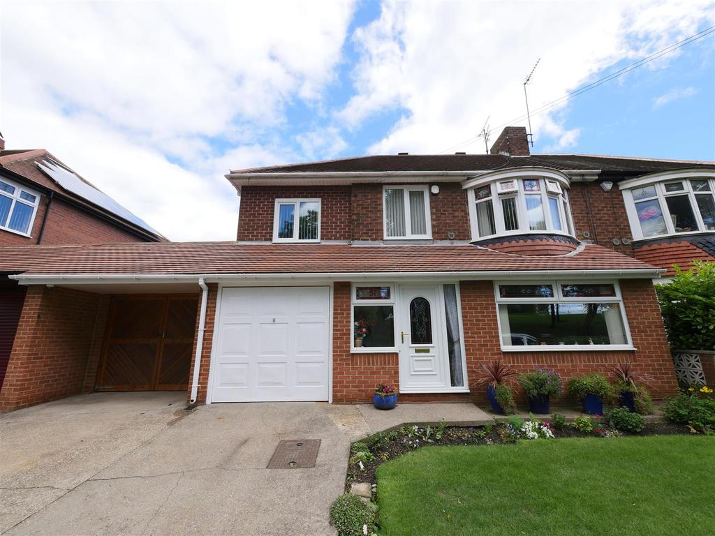 4 Bedrooms Semi Detached House for sale in Silksworth Lane, Barnes, Sunderland