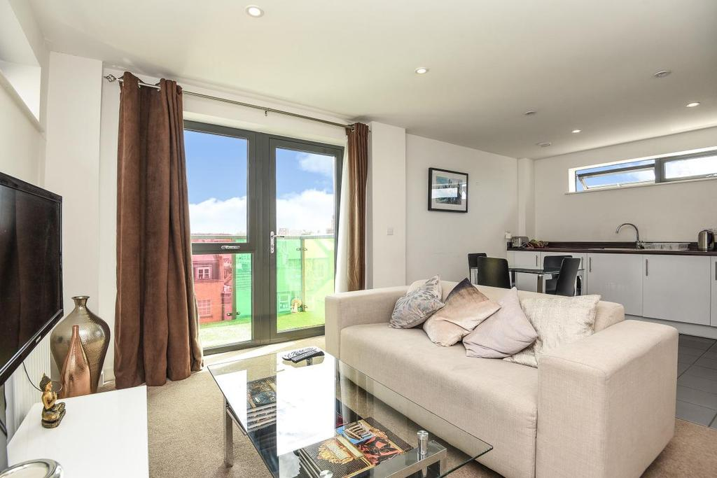 1 Bedroom Flat for sale in Bicycle Mews, Clapham Common, SW4