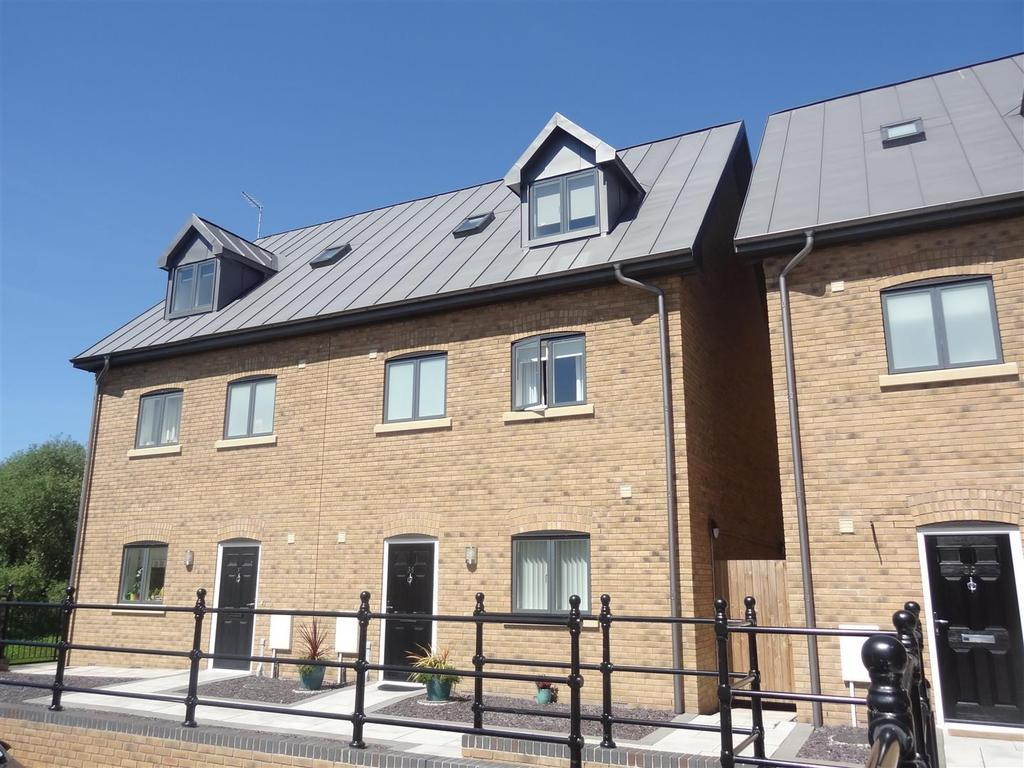 4 Bedrooms Town House for sale in Abbey Wharf, Mill Road, Abbey Foregate, Shrewsbury