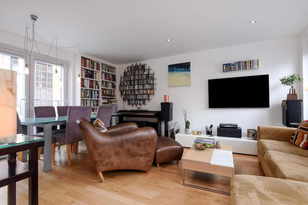 2 Bedrooms Terraced House for sale in Croft Street, Surrey Quays, SE8