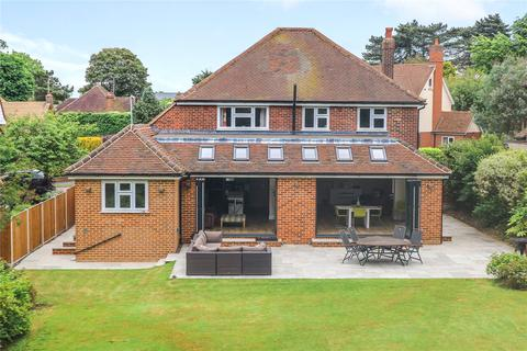 4 bedroom detached house for sale - Links Drive, Chelmsford