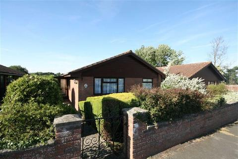 3 bedroom detached bungalow for sale - Telscombe Road, Peacehaven