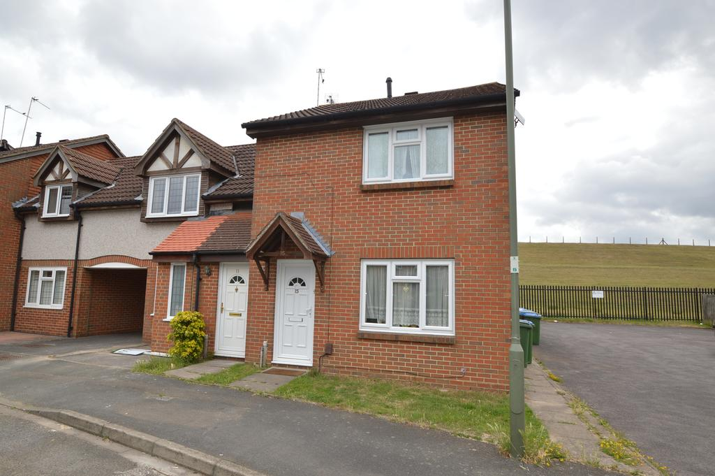 3 Bedrooms End Of Terrace House for sale in Shaw Drive, WALTON ON THAMES KT12