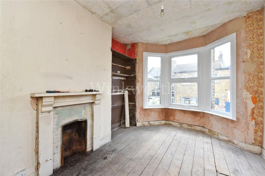 3 Bedrooms End Of Terrace House for sale in Langham Road, Turnpike Lane, London, N15