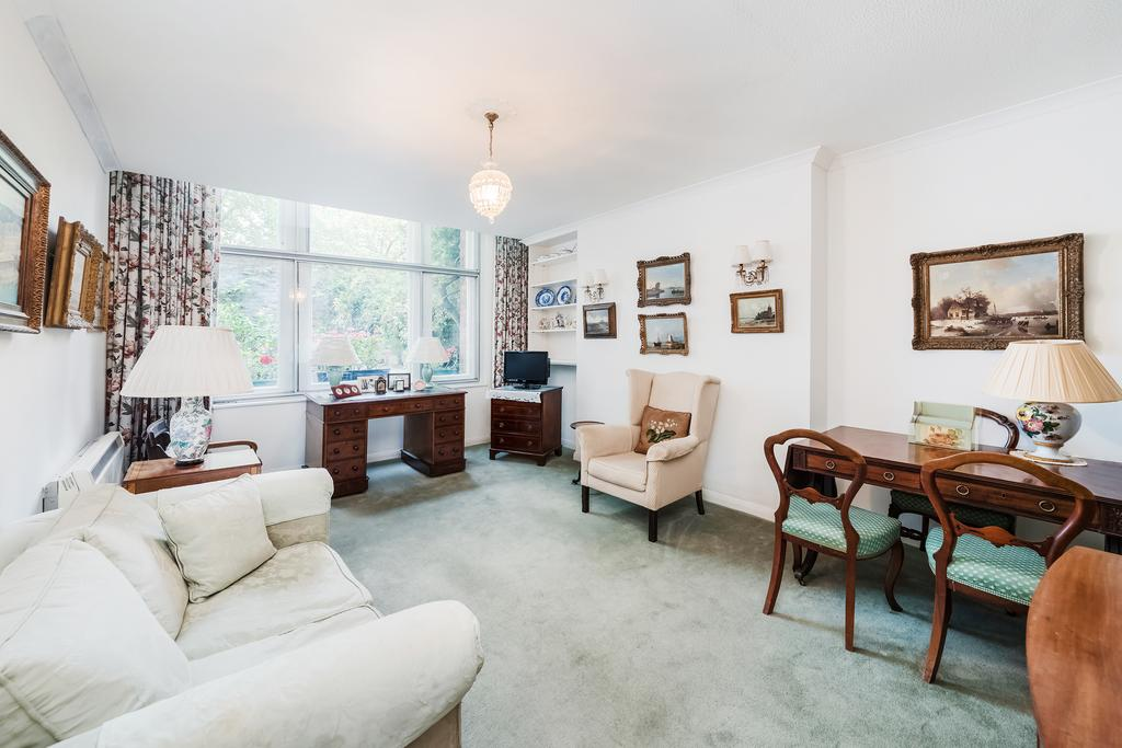 1 Bedroom Flat for sale in Embankment Gardens, SW3