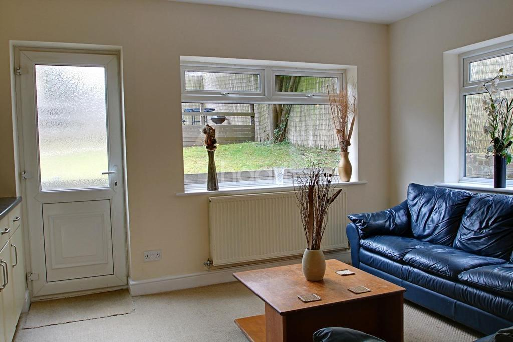 3 Bedrooms Terraced House for sale in Reston Path, Borehamwood