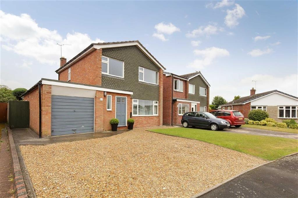 3 Bedrooms Detached House for sale in Tollgate Drive, Crewe, CW3