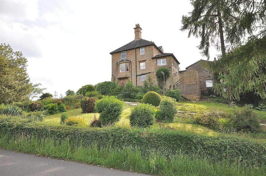 4 Bedrooms Unique Property for sale in Meden Lodge, Top Row, Pleasley Vale
