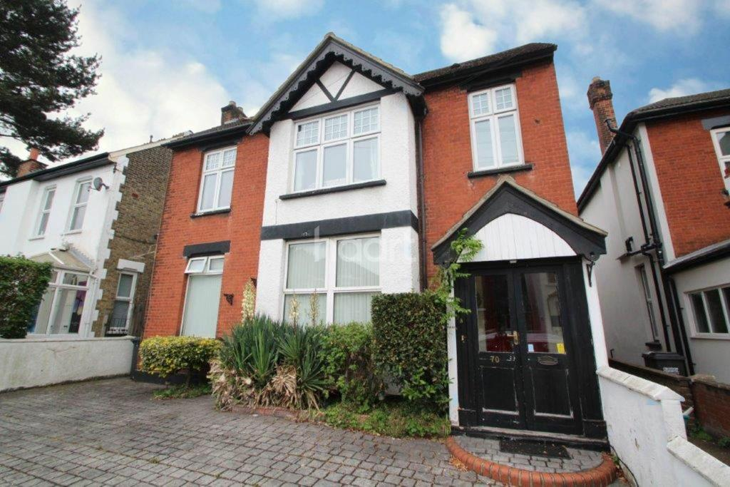 3 Bedrooms Flat for sale in Chelsham Road, South Croydon, CR2