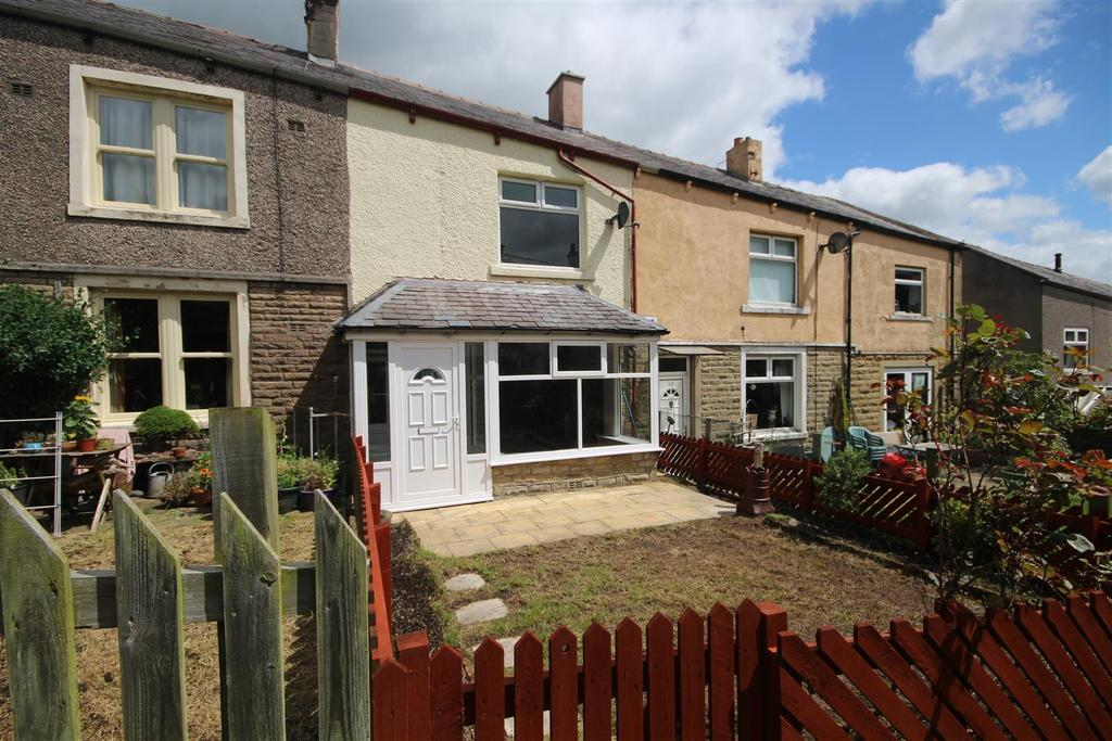 2 Bedrooms House for sale in 12 Dickens Avenue, Barnoldswick