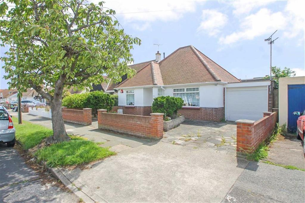 2 Bedrooms Detached Bungalow for sale in Madeira Road, Holland-on-Sea