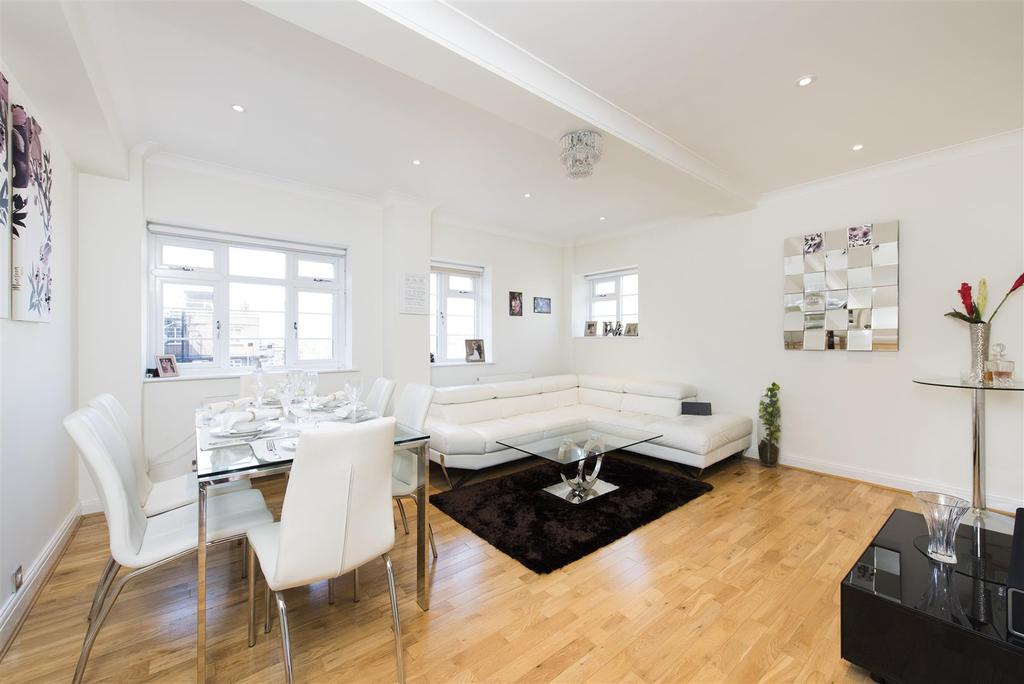 2 Bedrooms Flat for sale in Adelaide Road, London