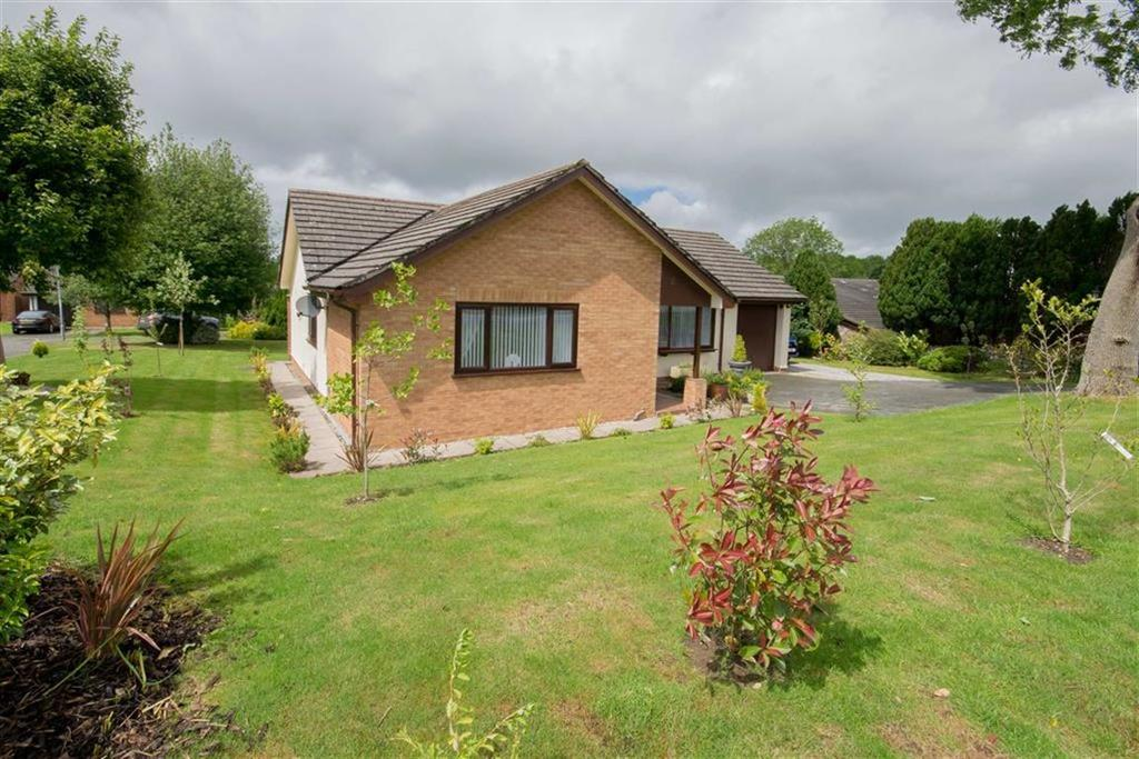 3 Bedrooms Detached Bungalow for sale in Village Road, Lixwm, Holywell